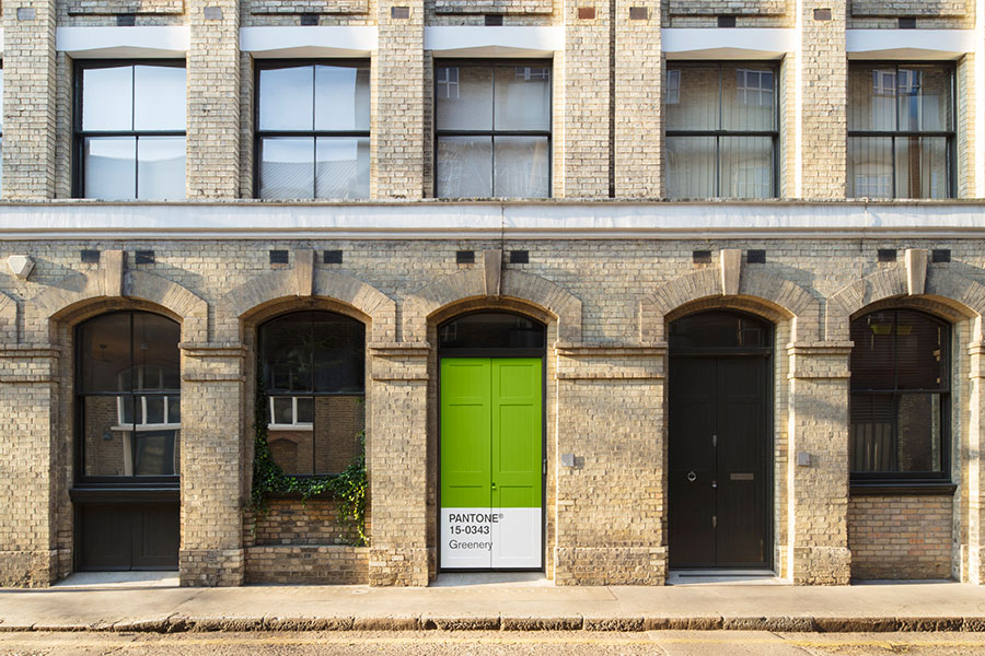 l'ingresso di the outside in house, esempio di biofilia a londra